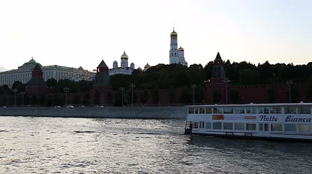 pleasure boats : View of the Moskva River and the Kremlin (at night), Moscow, Russia - the most popular view of Moscow Stock Footage