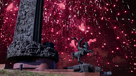 obeliszk : Fireworks over the Monument to Saint George slaying a dragon on Poklonnaya hill in Victory Park, Moscow, Russia - memorial complex constructed in memory of those who died during the Great Patriotic war