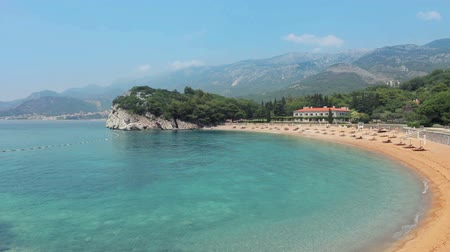 Черногория : Pink sandy Milocher Beach Montenegro, 6 kilometers southeast of Budva