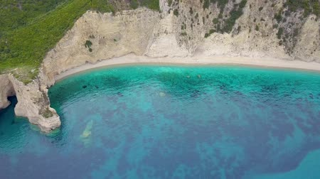 el değmemiş : Flight over of Paradise beach at Corfu island in Greece Stok Video