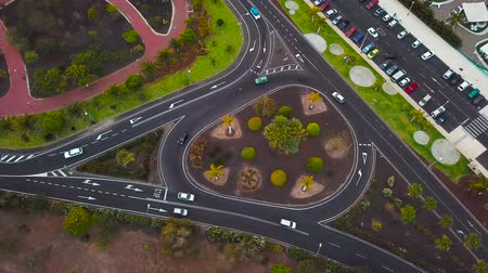 trilhas : Aerial view of a traffic in downtown Los Cristianos on Tenerife, Canary Islands, Spain. Shooted at different speeds: normal and fast