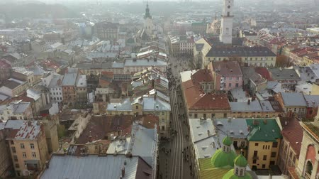 западный : Aerial view of the historical center of Lviv. Shooting with drone Стоковые видеозаписи