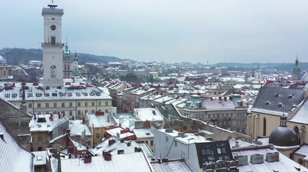 kostel : Aerial view of the historical center of Lviv in winter. Shooting with drone Dostupné videozáznamy
