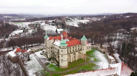 fortificado : View from the height of the castle in Nowy Wisnicz in winter, Poland