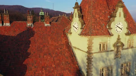 torre : Aerial view of Beregvar Castle, hunting house of counts Schonborn, near Mukachevo, Transcarpathia, Ukraine. Filmed at different speeds - accelerated and normal