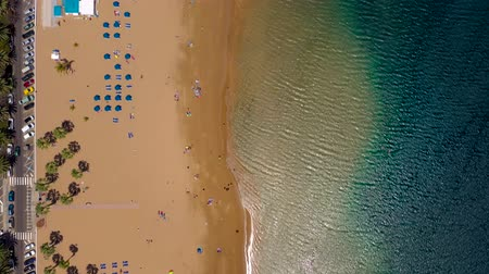 sziget : Aerial view of the golden sand of the beach Las Teresitas, Tenerife, Canaries, Spain Stock mozgókép