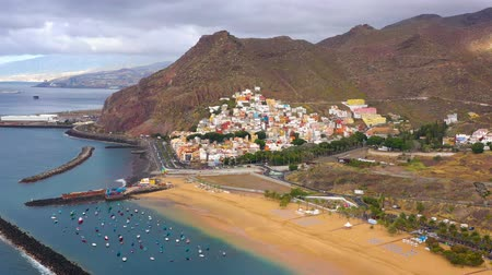 paisagem urbana : View from the height of the golden sand and the surrounding landscape of the beach Las Teresitas, Tenerife, Canaries, Spain