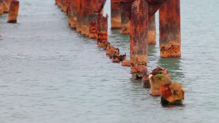 korozyon : old pier destroyed by corrosion