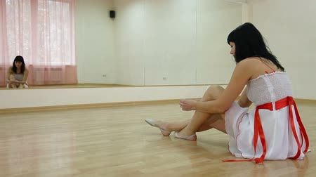 tancerka : Woman in Dance Studio Wideo