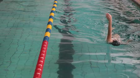 nadador : Young Swimmer Stock Footage