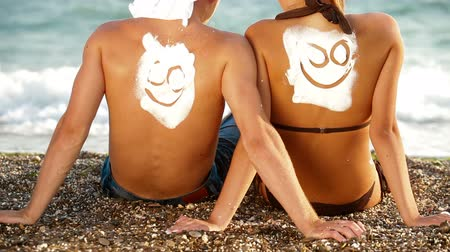 emoticon : Young Couple Enjoying On The Beach
