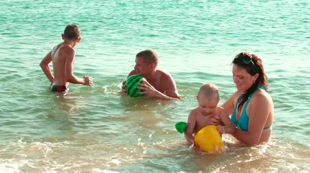 vacation : Family On The Summer Beach