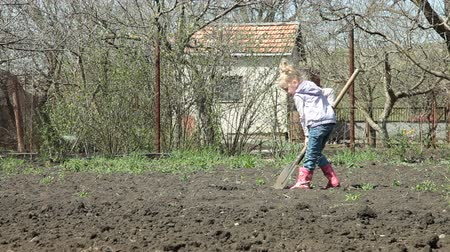 Łopata : Little Gardener Digging on Smallholder Farm