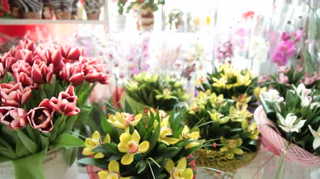 flower shops : Fresh Cut Bouquets In Flower Shop