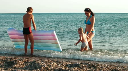 materasso : Family Summer Vacation Beach