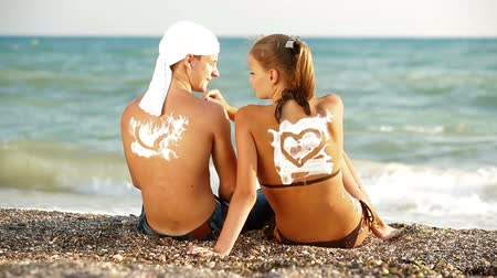 arka görünüm : Teenage Couple Summer Beach Vacation Stok Video