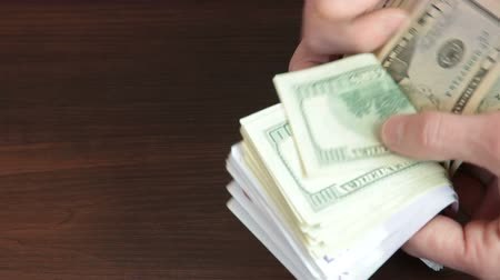 gotówka : Male Hands Counting Euro and Dollar Cash Money Wideo