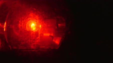 polícia : Rotating red emergency flashing light - from left to the center