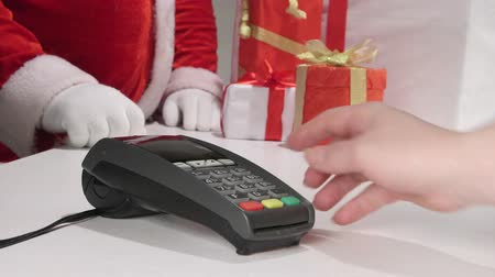 payment : Christmas shopping in Ukraine