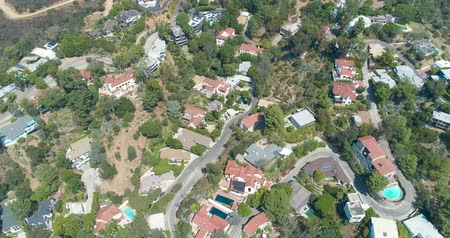 город : Aerial Drone View of Homes in Hollywood, California