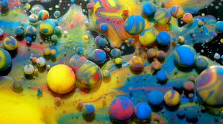psicodélico : Colorful Bright Bubbles Oil Beautiful Paint Universe Color Moving Multicolored. Acrylic Paint. Space Universe, Quantum Physics. Fantastic Hypnotic Surface. Metamorphosis Chemical Reaction.