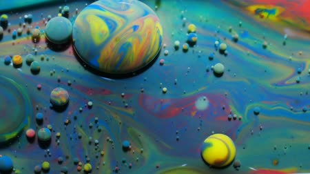 kwantum : Colorful Bright Bubbles Oil Beautiful Paint Universe Color Moving Multicolored. Acrylic Paint. Space Universe, Quantum Physics. Fantastic Hypnotic Surface. Metamorphosis Chemical Reaction.
