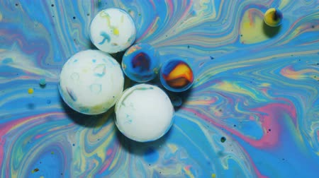 gravitace : Colorful Bright Bubbles Oil Beautiful Paint Universe Color Moving Multicolored. Acrylic Paint. Space Universe, Quantum Physics. Fantastic Hypnotic Surface. Metamorphosis Chemical Reaction.