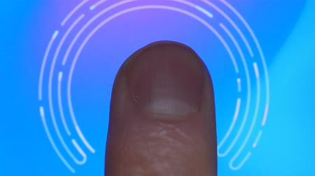 impressão digital : Technology Finger Print Password. Scanning Fingerprint for Security Purpose on Smartphone. Cyber Security Personal Device. Man Using Cell Phone with Application for Scanning Fingerprint. Stock Footage