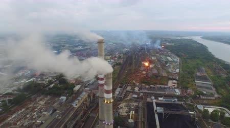 dioxid : Aerial view of Oil Gas Refinery. Kansk 4K Stock mozgókép
