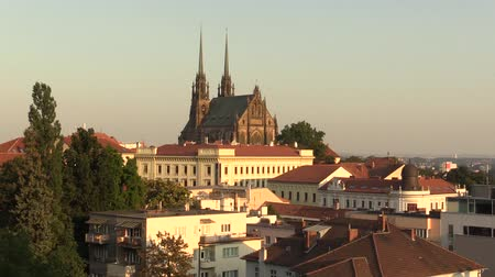 barok : The Cathedral of Saints Peter and Paul Petrov, Roman Catholic, Baroque, Gothic Revival, town Brno, in the Czech Republic city, architect August Kirstein, Europe Stok Video
