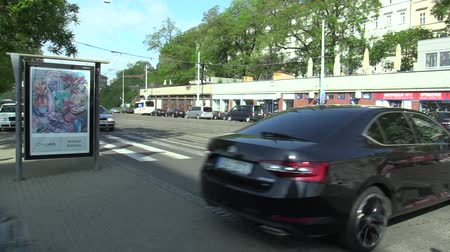 elnök : BRNO CZECH REPUBLIC, MAY 2, 2018: Luxury cars Skoda and Audi Prime Minister Andrej Babis, Vice-Chairman Richard Brabec, Alena Schillerova and others drive depart from the Brno Main Train Station