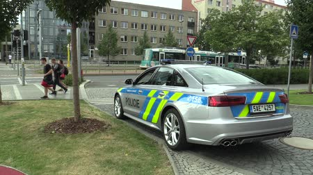 literário : OLOMOUC, CZECH REPUBLIC, MAY 15 , 2018: Luxury police car of the Audi S6, cars used by Police Protection Service of the Czech, provides protection and security of the protected constitutional agents