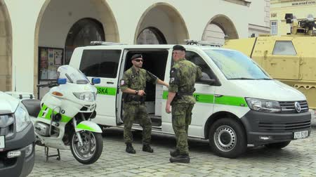 seçkinler : OLOMOUC, CZECH REPUBLIC, JUNE 29 , 2018: Military police and transport car and motorbike for road transport, soldier men in uniform, very authentic and real, Czech Republic, Europe