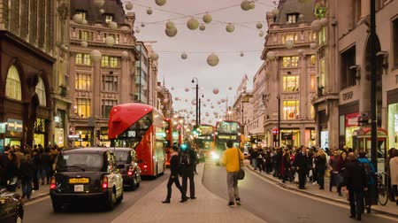 londra : Shopping Rush on Oxford Circus, Cloudy
