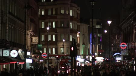 covent : Busy shopping evening in London Soho