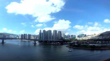 personne qui boit : Pont nord Tsing Yi, Gin Drinkers Bay et West Kowloon
