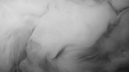 pigmento : White ink spreading in water, abstract footage for motion design.