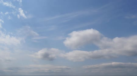 borultság : White clouds in the blue sky. Timelaps