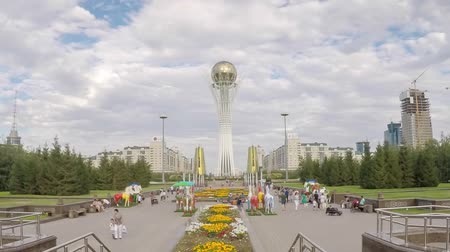 prestiž : ASTANA - CIRCA SEPTEMBER 2014: Central Asia, Kazakhstan, Astana, Nurzhol Bulvar - Central Boulevard and Bayterek Tower illuminated at night- Time lapse