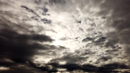 meteorologia : DRAMATIC ROLLING CLOUDS TIMELAPSE NATURE WHITE  CLOUD WITH BLUE SKYLINE and Dark dramatic rain clouds flying, passing until the Storm rain come and weather clouds flying sky on sunset time