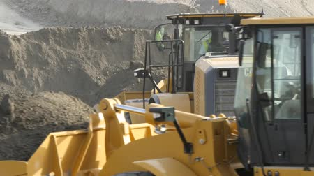 maquinaria : Spain, Malaga - October 20, 2014: Caterpillar earthmoving machines Vídeos