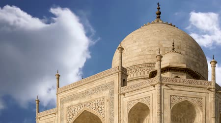 купол : Taj mahal, A famous historical monument on India