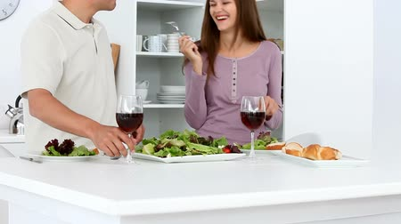 столовая : Couple have a happy dinner at home