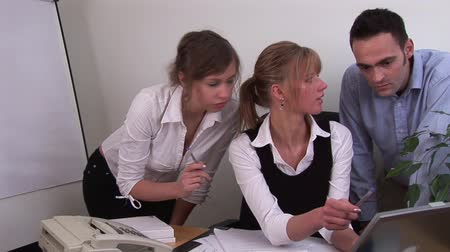 тренировка : Young Adult Professional Business team working together