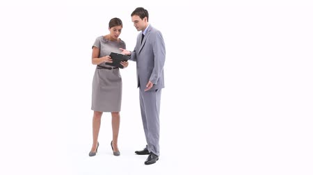 öfkeli : Video of an irritated business woman holding a clipboard