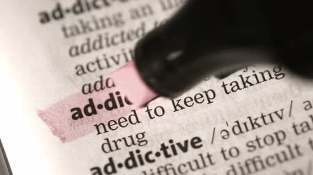 zvýrazňovač : Definition of addiction highlighted in the dictionary Dostupné videozáznamy