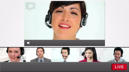 dialog : Live chat with customer service agents loading up with copy space and going live Wideo