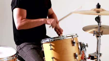 davulcu : Drummer playing his drum kit in the studio
