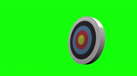 цель : Arrow flying towards dart board and hitting target on green screen background Стоковые видеозаписи