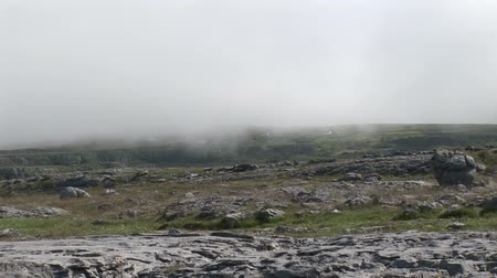 irlandia : Stock Footage of a rocky foggy coastal scene